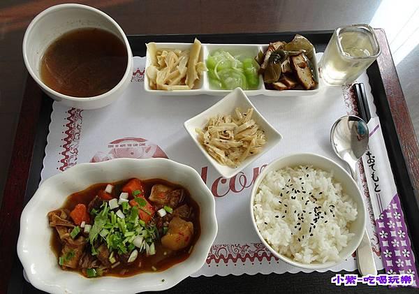 紅燒牛肉飯250 (1).jpg