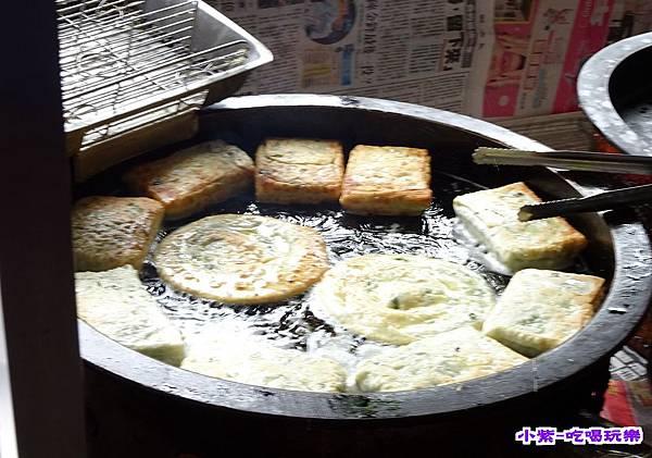 阿肥蔥油餅.jpg