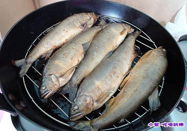 黑鼎烤香魚. (1).jpg