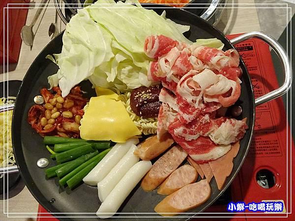 韓國牛肉部隊鍋 (2)P62.jpg