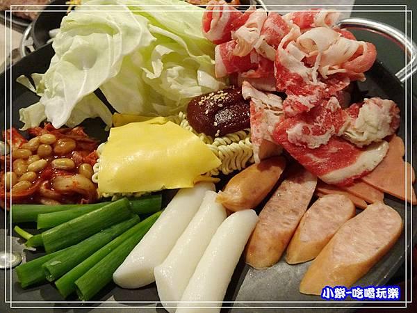 韓國牛肉部隊鍋 (3)P63.jpg