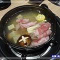 酸菜白肉鍋 (2)P157.jpg