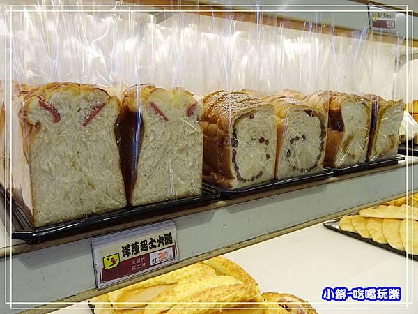 吉美香蕉蛋糕麵包店 (6)4.jpg