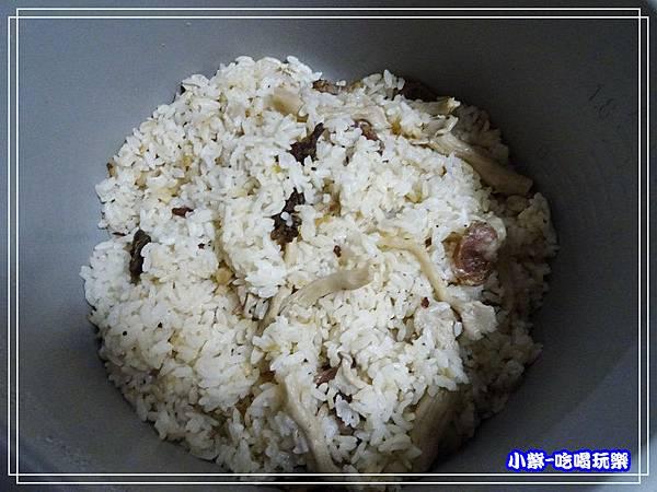 拌勻-臘腸藍寶石菇蒸飯 (7)2.jpg