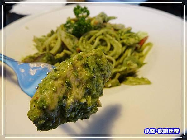 青醬嫩雞義大利麵_246.jpg