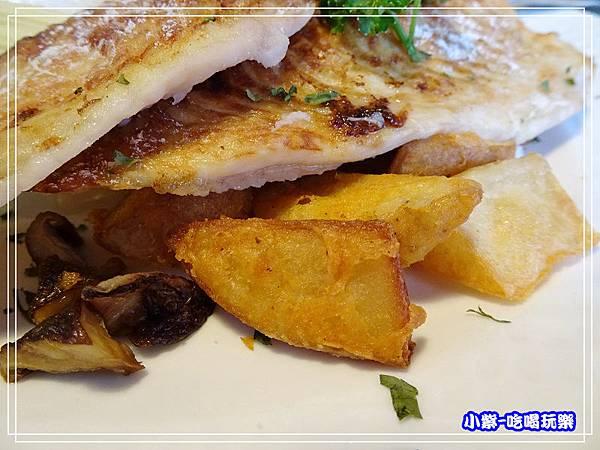 香烤鯛魚佐蘿勒醬_250.jpg