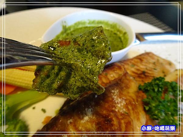 香烤鯛魚佐蘿勒醬_452.jpg