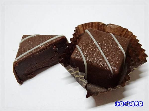 領斜-烏干達牛奶巧克力 (3)20.jpg