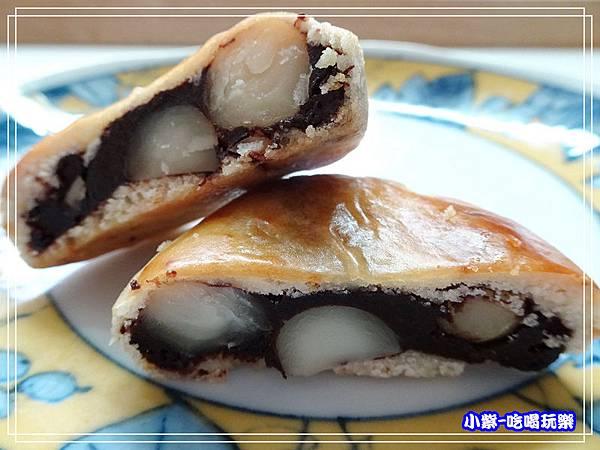 生巧克力火山豆月餅 (3)20.jpg