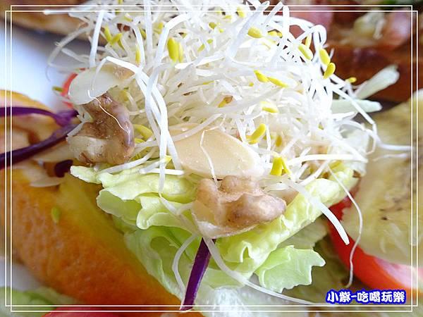 辣鮪魚法國麵包 (5)50.jpg
