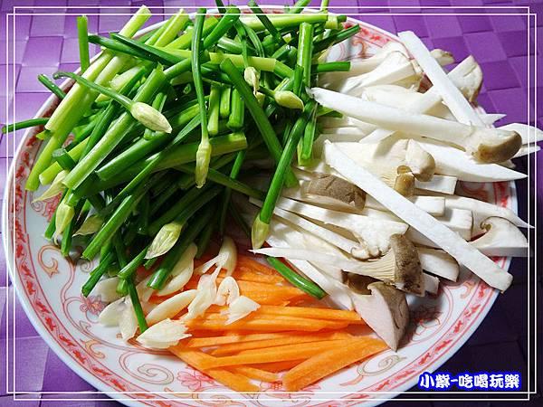 韭菜花炒杏鮑菇 (2)15.jpg