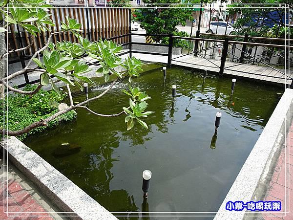 庭園魚池29.jpg