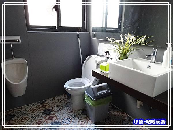 2樓洗手間 (1)4.jpg