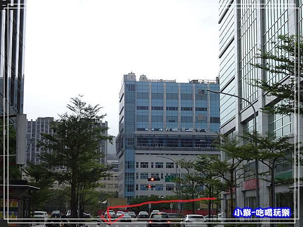 內湖運動中心-停車場前巷內30.jpg