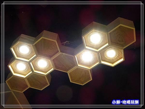 蜂巢燈飾68.jpg