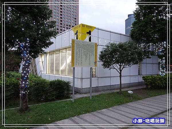 捷運1號出口-萬坪公園16.jpg