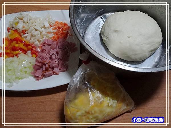 紅醬什錦披薩 (2)6.jpg