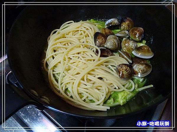 青醬蛤蜊菇菇麵 (8)2.jpg