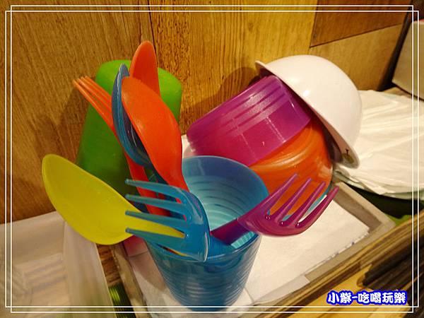兒童餐具3.jpg