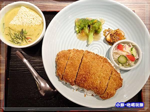綠咖哩豬排飯 (7)30.jpg