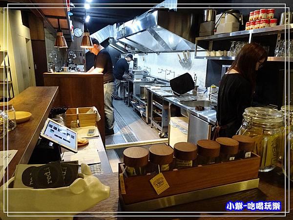 半開放式廚房5.jpg