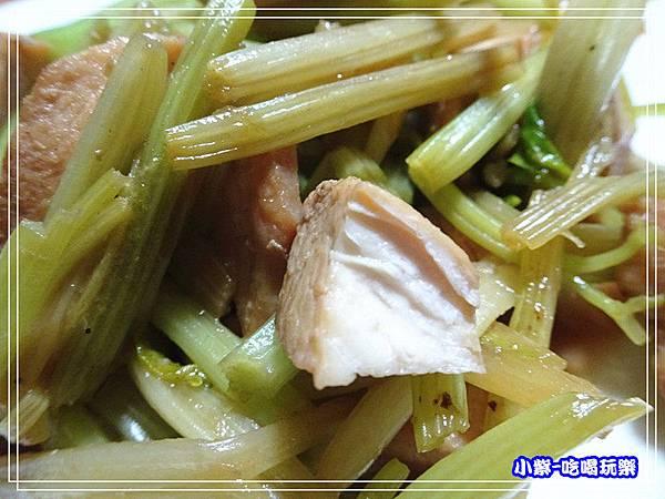 洋葱泥炒芹菜雞丁 (5)_2.jpg