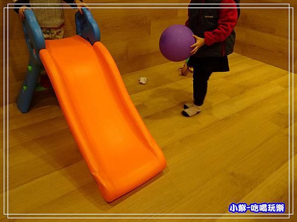 兒童遊戲區 (1)P06 - 複製.jpg