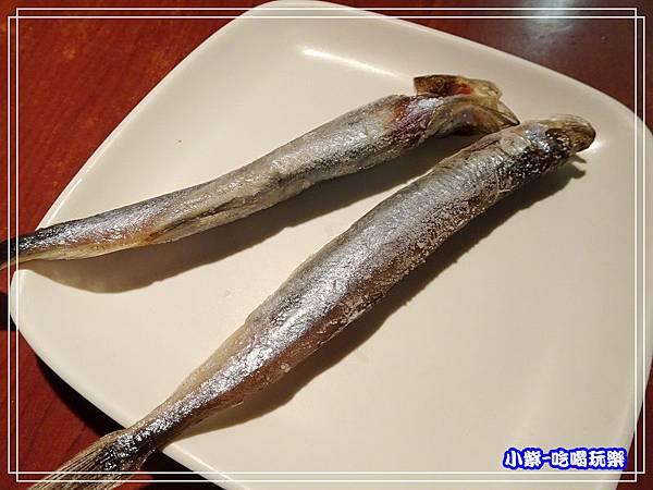 抱卵柳葉魚 (2)33.jpg