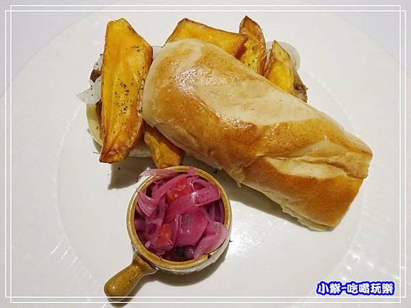 秘魯式燉炸豬肉三明治 (2)13.jpg