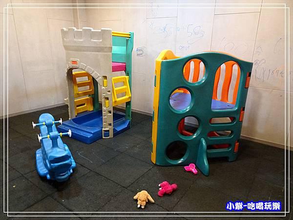 兒童遊戲區 (2)0.jpg