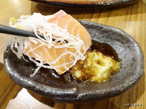 本日鮮魚刺身(鮭魚) (1)41.jpg
