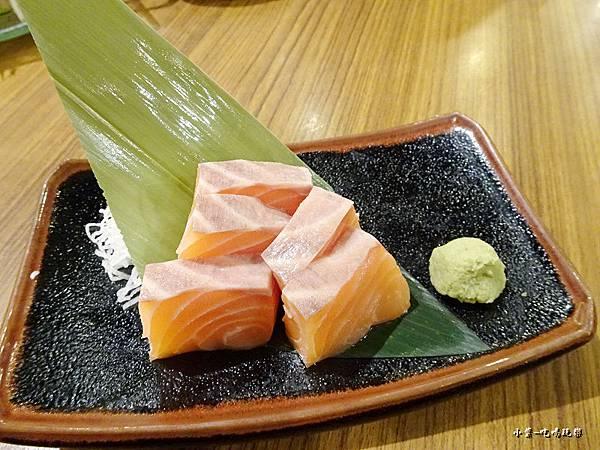 本日鮮魚刺身(鮭魚) (2)42.jpg