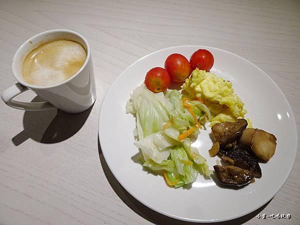 台中-光之旅店早餐篇17.jpg