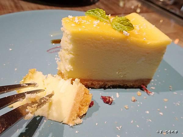 北海道頂級起司蛋糕 (1)5.jpg