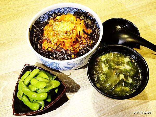 泡菜豚肉定食13.jpg
