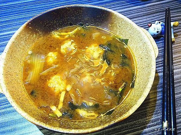 沖繩手打雞肉丸味噌湯 (2).jpg