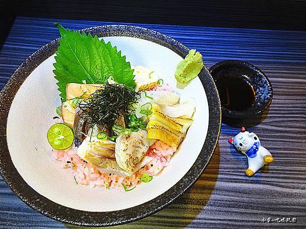 炙燒海鮮丼 (2).jpg