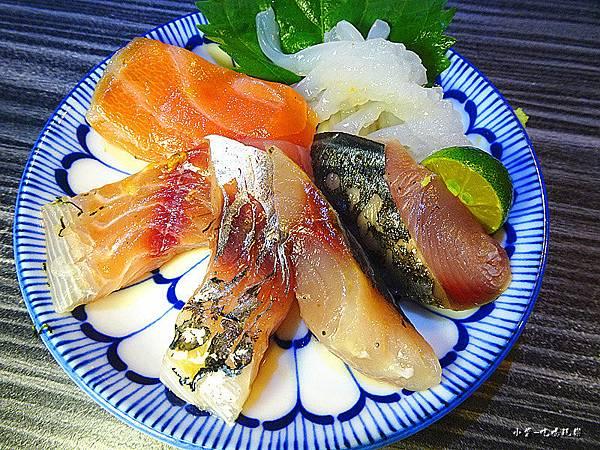 雙星海鮮丼 (2).jpg