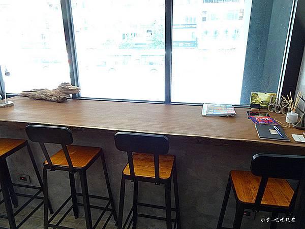 O.L.O  CAFE (7)8.jpg