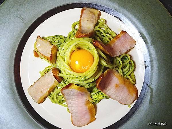 偷吃蛋的翠綠松板豬 (3)2.jpg