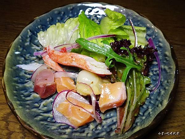 生魚片海鮮沙拉 (1)51.jpg