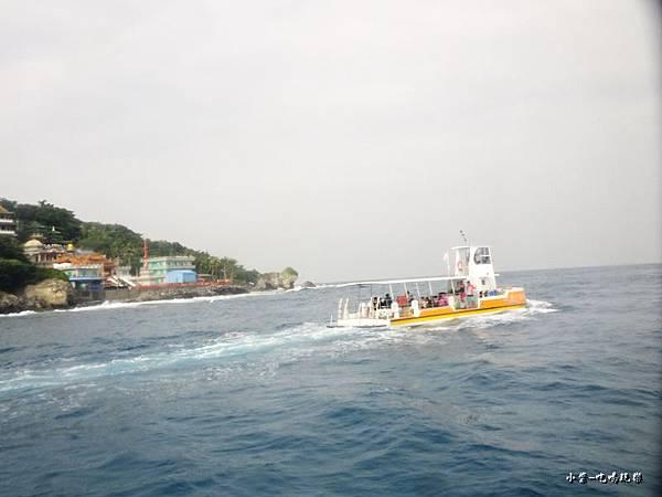 半潛艇-觀光玻璃船17.jpg