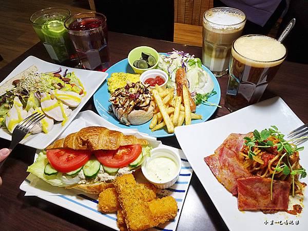 SAWG桌遊餐廳-首圖4.jpg