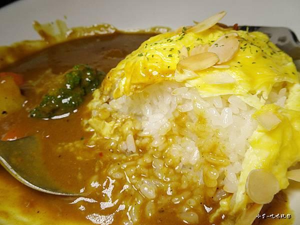 炙燒牛菲力咖哩滑蛋飯 (9)38.jpg