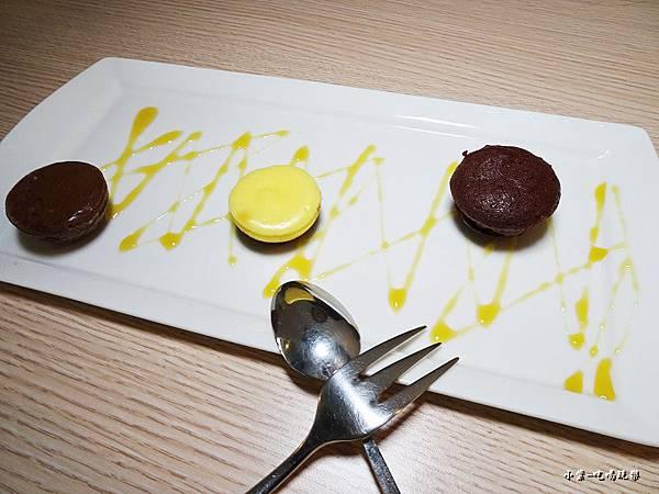 品黑巧克力乳酪球 (3)15.jpg