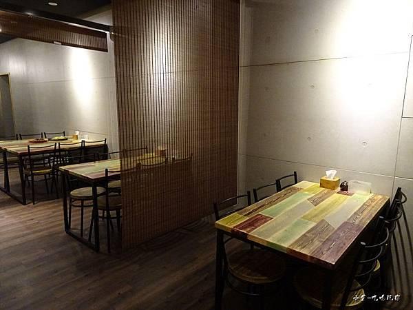 新用餐區 (4)22.jpg