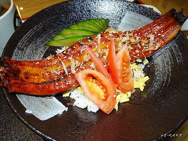 霸氣鰻魚丼 (2)0.jpg