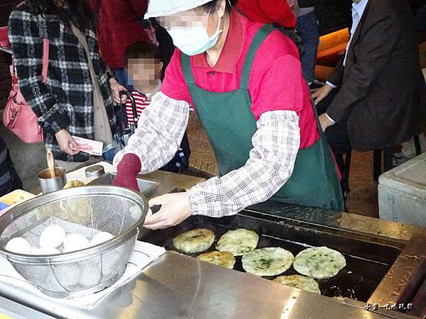 味珍香卜肉店前三星蔥油餅 (4)17.jpg