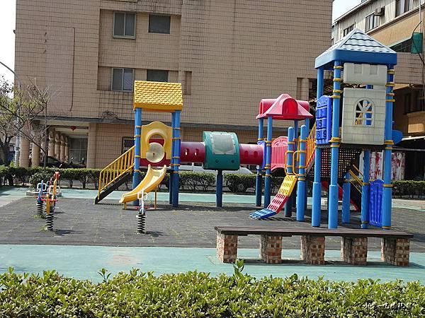 對面兒童公園 (1)122.jpg