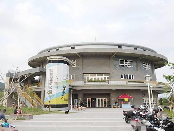 綜合球場 (5).jpg
